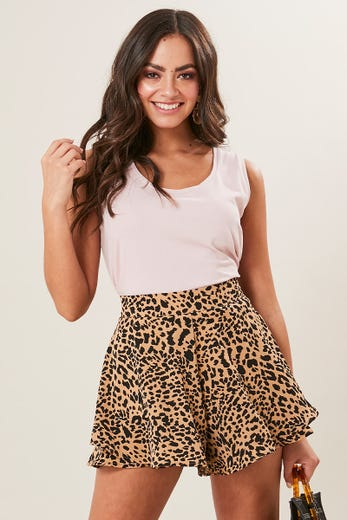DOUBLE LAYER FLARED SHORT