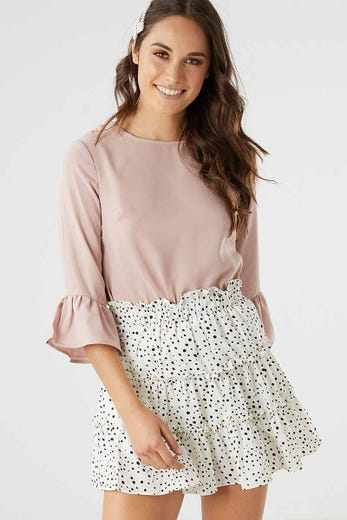 BELL SLEEVE SHELL TOP